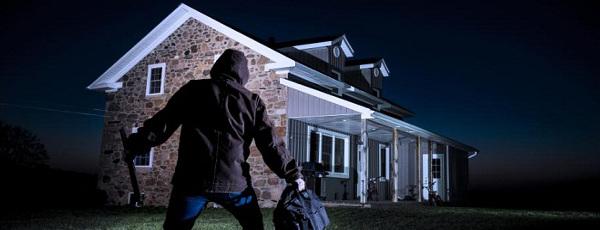 Come rendere casa sicura contro i ladri estivi